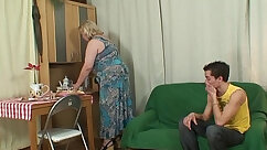 Action mom with dyed hair fucked at the casting